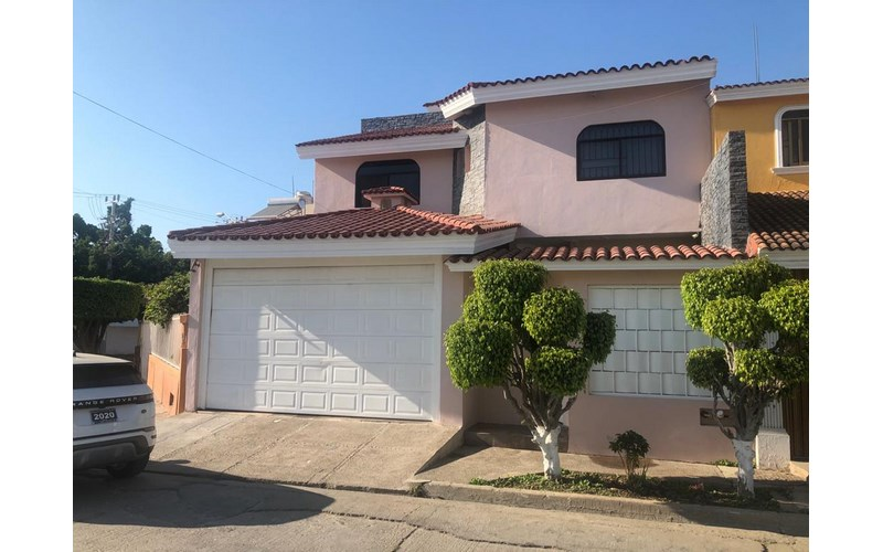 Se vende casa en Fraccionamiento Alameda