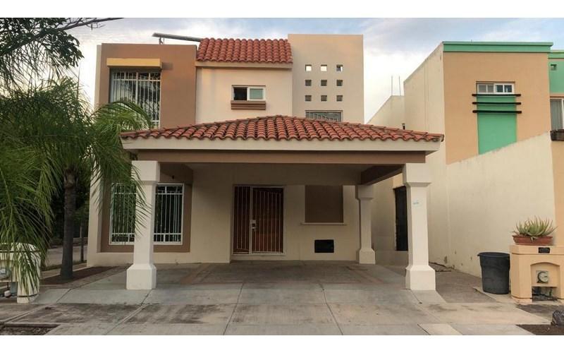 Se vende residencia en Palmas del Sol